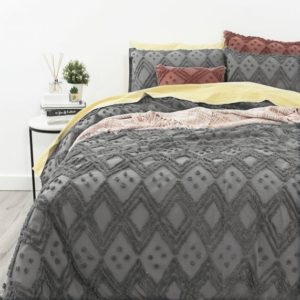 medallion-tufted-quilt-cover-coal