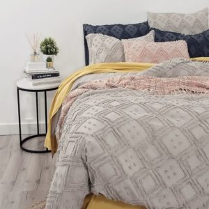 medallion-tufted-quilt-cover-stone