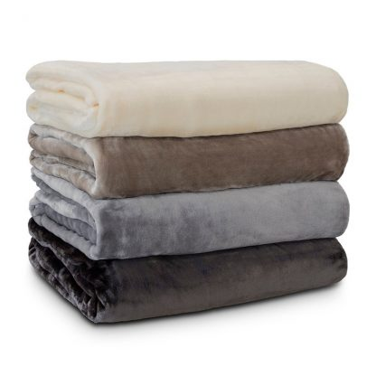 lucia-plush-blanket