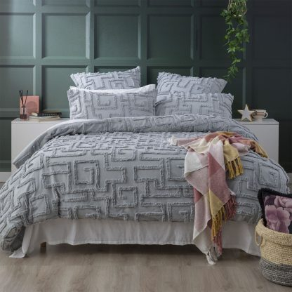 renee-taylor-riley-vintage-wash-cotton-chenille-tufted-quilt-cover-set-silver